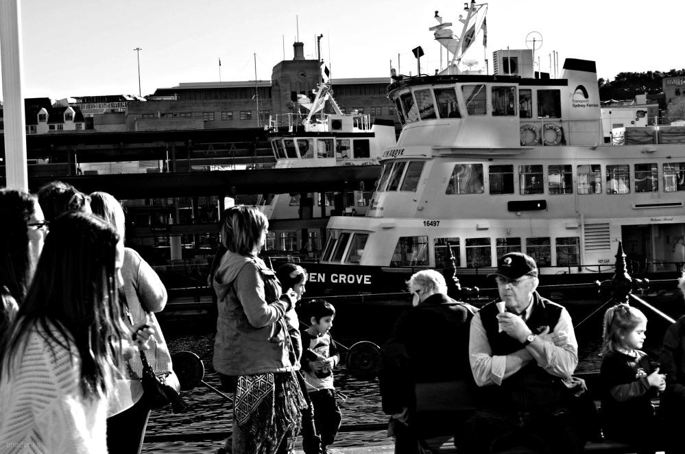 People Watching in Circular Quay (1/5)